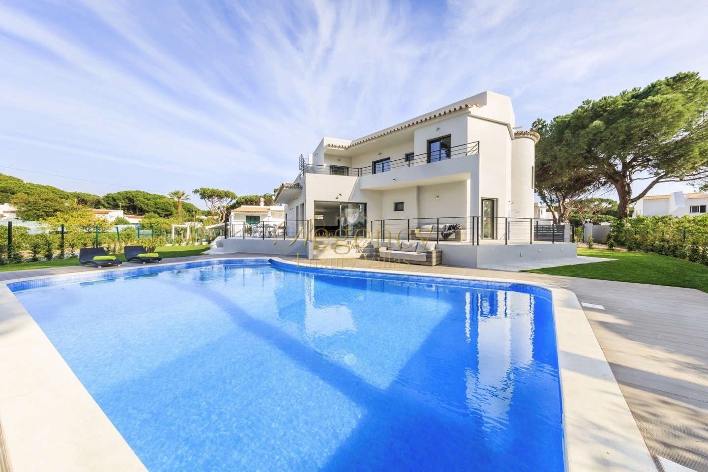 Villa To Rent With Private Swimming Pool In Vilamoura 4 Bedroom Luxury Villa RLV