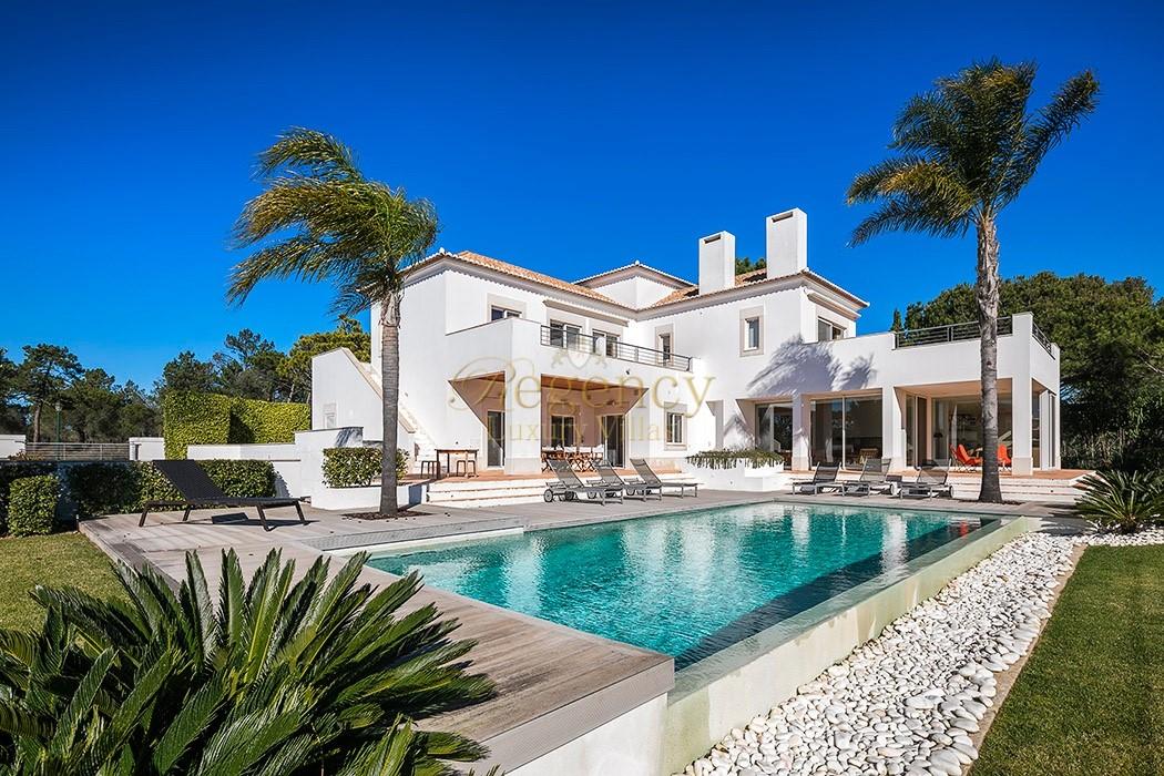 To rent 4 bedroom villa in Quinta do Lago