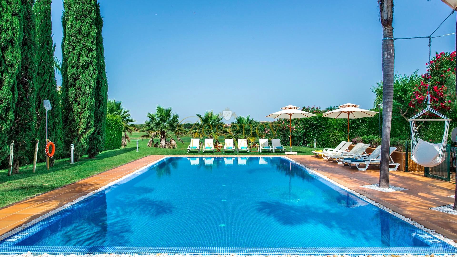 Luxury Villa To Rent With 6 Bedrooms In Laguna Golf Algarve