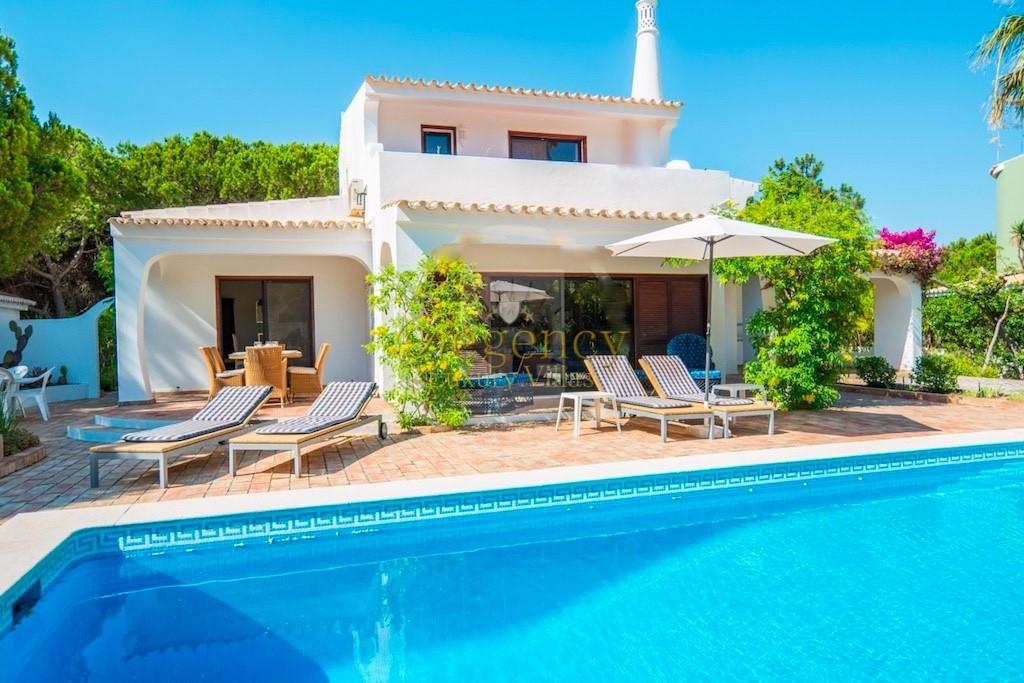 Holiday 4 Bedroom Villa To Rent Vale Do Lobo Algarve