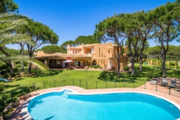 Luxury 7 Bedroom Villa to Rent in Vilamoura