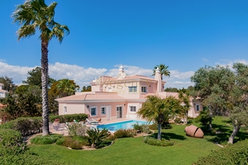 Luxury Villa to Rent in Quinta do Lago | 6 Bedrooms