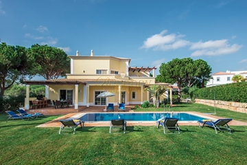Vilamoura Luxury Villa to Rent | 4 Bedrooms