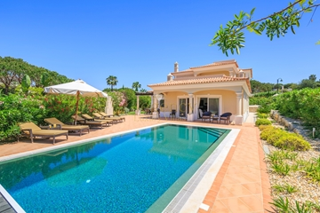 Vale do Lobo Luxury Villa to Rent | 4 Bedrooms