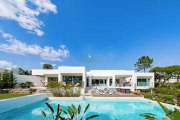 Luxury Villa to Rent in Vilamoura | 3+1 Bedrooms
