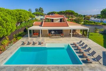 Luxury Villa to Rent in Vale do Lobo | 4+1 Bedrooms